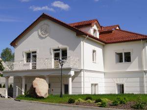 Gołębi Dwór Dom Seniora